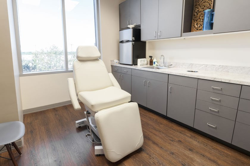 Consultation Room – Dallas, TX
