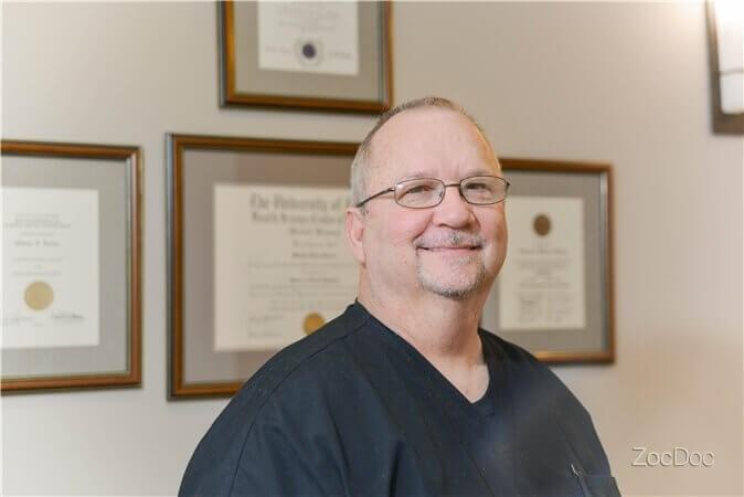 Dentist Pearland Tx Dr Michael Holmes