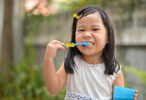 Child's First Visit To Dentist